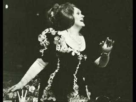 """Joan Sutherland """"Ah non giunge"""" La sonnambula"""