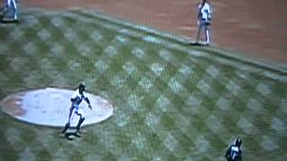 New York Yankees' Orlando Hernandez Throws Entire Glove For Out, El Duque!