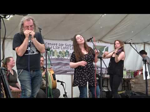 MARY JANE BAND  MAD WORLD SOUTH DOWNS GREEN FAIR 2017