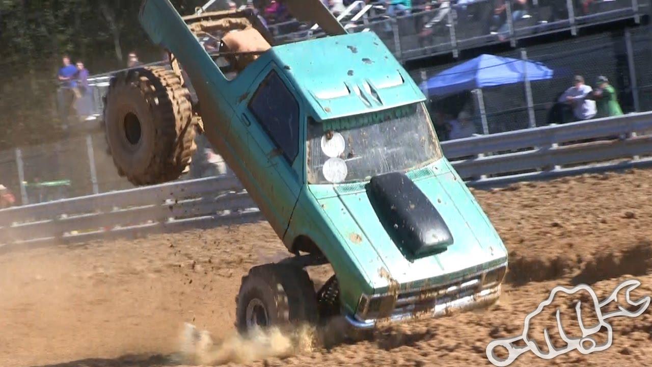 Pick-up'ların çamurla mücadelesi (VİDEO)