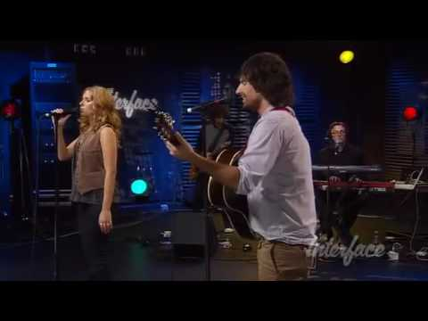 "Pete Yorn and Scarlett Johansson performing ""Search Your Heart"" from their Break Up album"