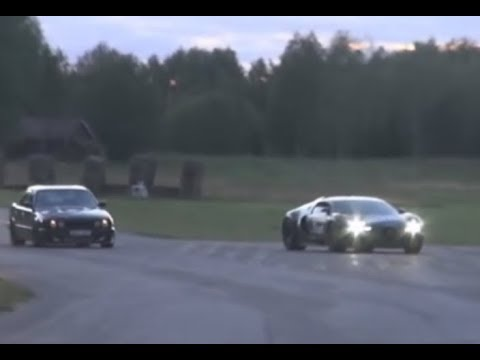 2nd Angle BMW M5 Turbo Vs Bugatti Veyron 16.4 1001 HP And ENGINE View