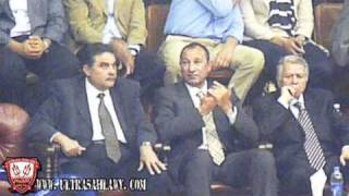 "El Khatib ""Bebo"" enjoy listening to the song El Nady El Ahly 7obo Fe 2alby"