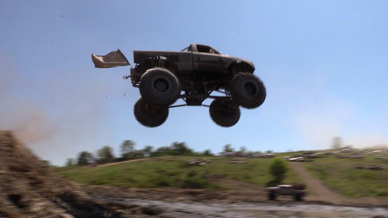 MEGA TRUCK BIG AIR!