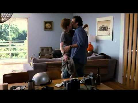 The Kids Are All Right - Mark Ruffalo & Julianne Moore - No Diggity / Thrift Shop