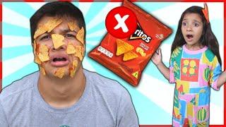Nunca abra o pacote de chips errado!! Open a packet of chips - بائع أحذية حلوة