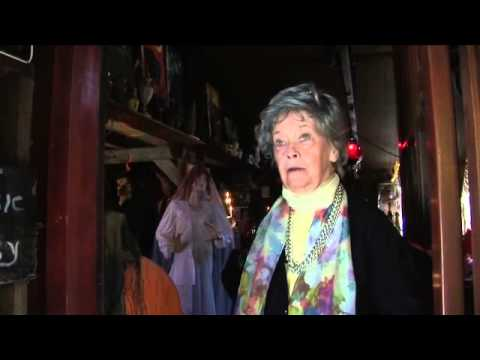 The Conjuring - 'The Real Lorraine Warren' Featurette - Official Warner Bros. UK