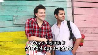 Gusi & Beto feat Luis Enrique Como Me Duele Subtitulado