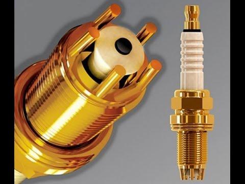 Искровой зазор измеряется специальным цилиндрическим или плоским щупом. Измерение производится следующим образом: свеча держится.
