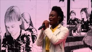 "Ivy Quainoo - 'You Got Me' [live] HD ""Plan"" 1. Welt-Mädchen-Tag Song 1/4"