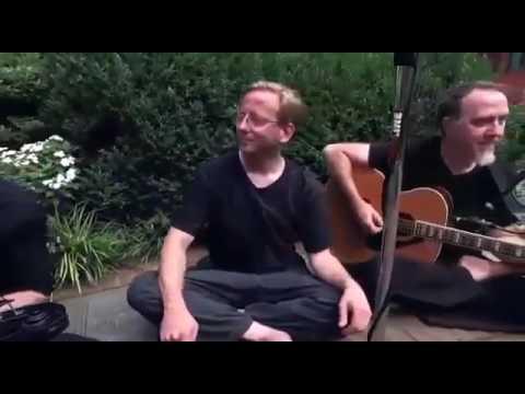Kurang Ajar Bule Nyanyi Lagu Keroncong Walang Kekek Keren Banget!!!