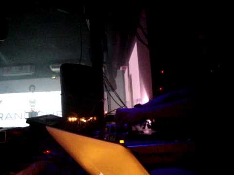 Grand Sheff @ StrongMusic SAla Doll Shop(Sevilla)//07-01-2012.MPG