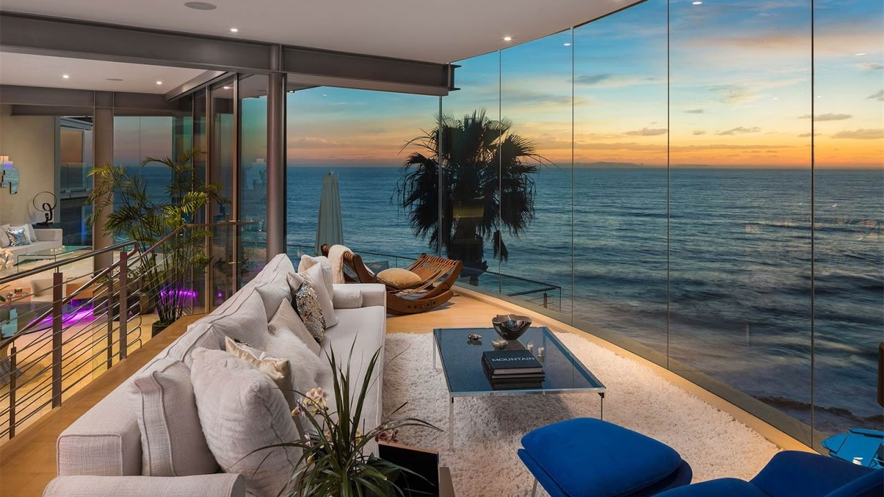 Paul McClean Designed Floating Glass House in Laguna Beach  California