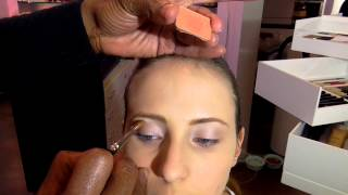 Omega  - Leichtes Makeup Thumbnail