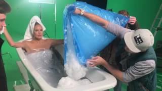 Елена Летучая в ваннe