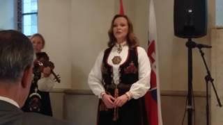 Nórska pieseň na podujatí ku Dňu štátneho sviatku Nórskeho kráľovstva