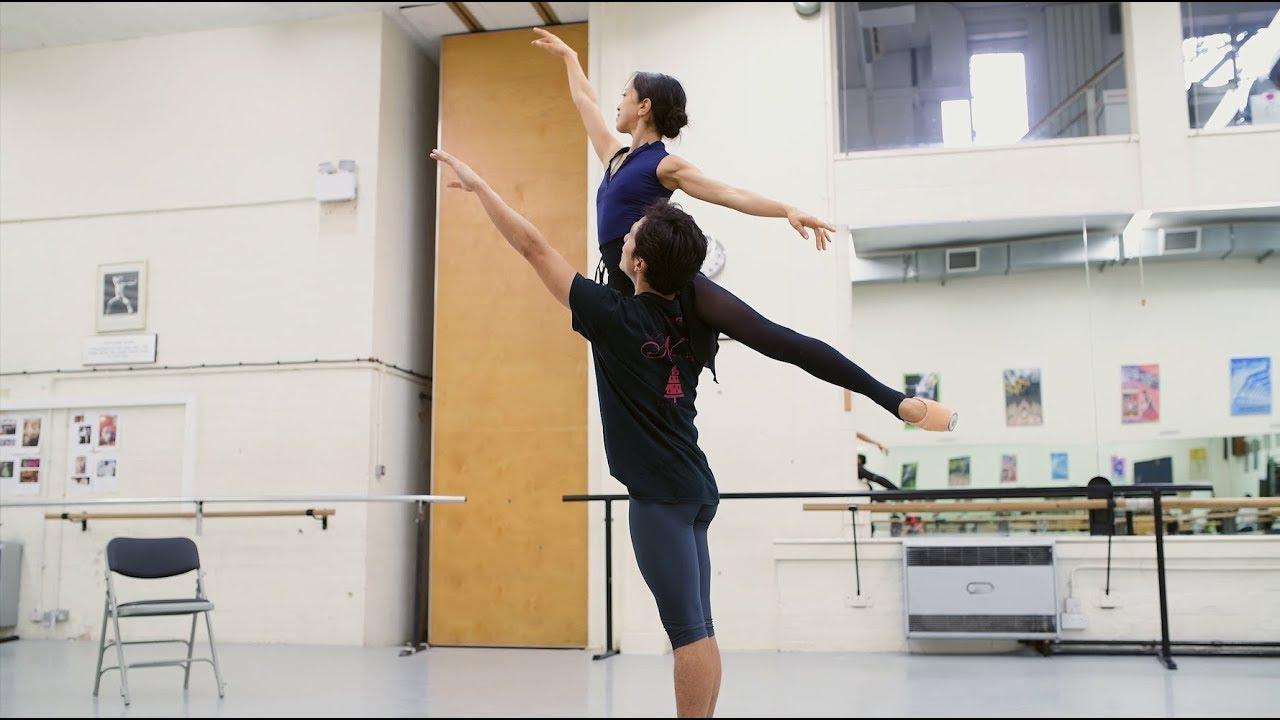 Manon: Erina Takahashi and Jeffrey Cirio in rehearsals | English National Ballet