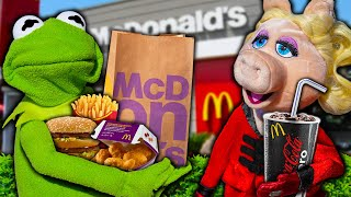 Miss Piggy and Kermit the Frog DISTRACT McDonalds Employees in Drive Thru!