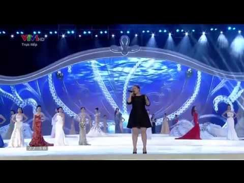 Kelly Clarkson - Stronger + A moment like this live in Vietnam 2014