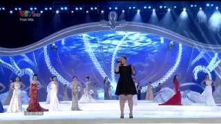 kelly clarkson stronger a moment like this live in vietnam 2014