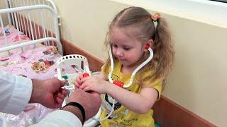 Дети и коронавирус. Что должно насторожить родителей? // Врач объясняет
