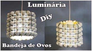 Luminária com Bandejas de Ovos