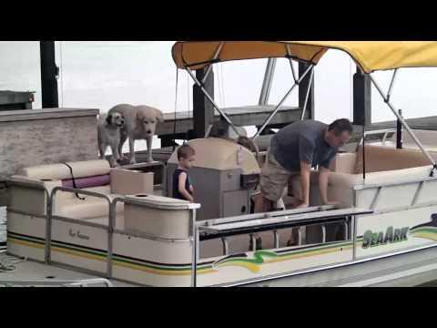 Convertible pontoon seat
