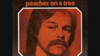 Watch Nick MacKenzie Peaches On A Tree video