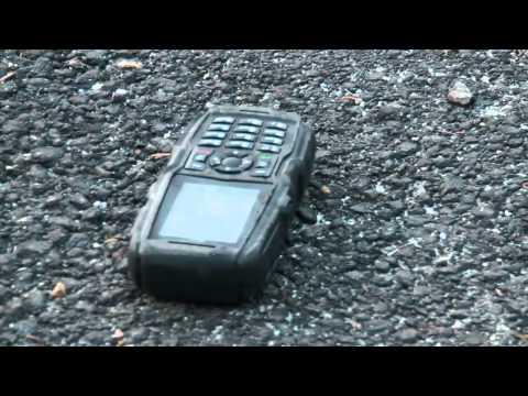 Strapateszt: Huawei Discovery vs. Sonim XP5300 vs. Samsung B2710 vs. Zio S1