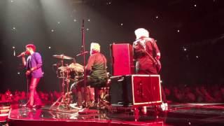 Queen+Adam Lambert-Somebody To Love live Chicago 7/13/17