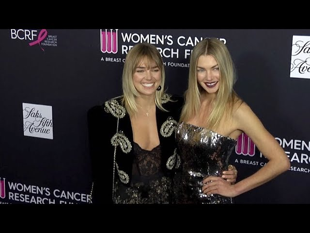 Jessica Hart and Ashley Hart attend an Unforgettable Evening Benefit Gala in Los Angeles