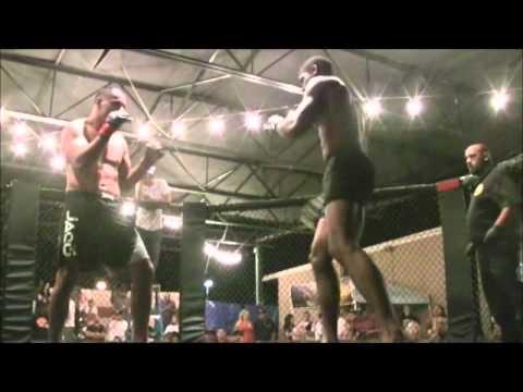 Mike Moreno vs  Marcus Gains