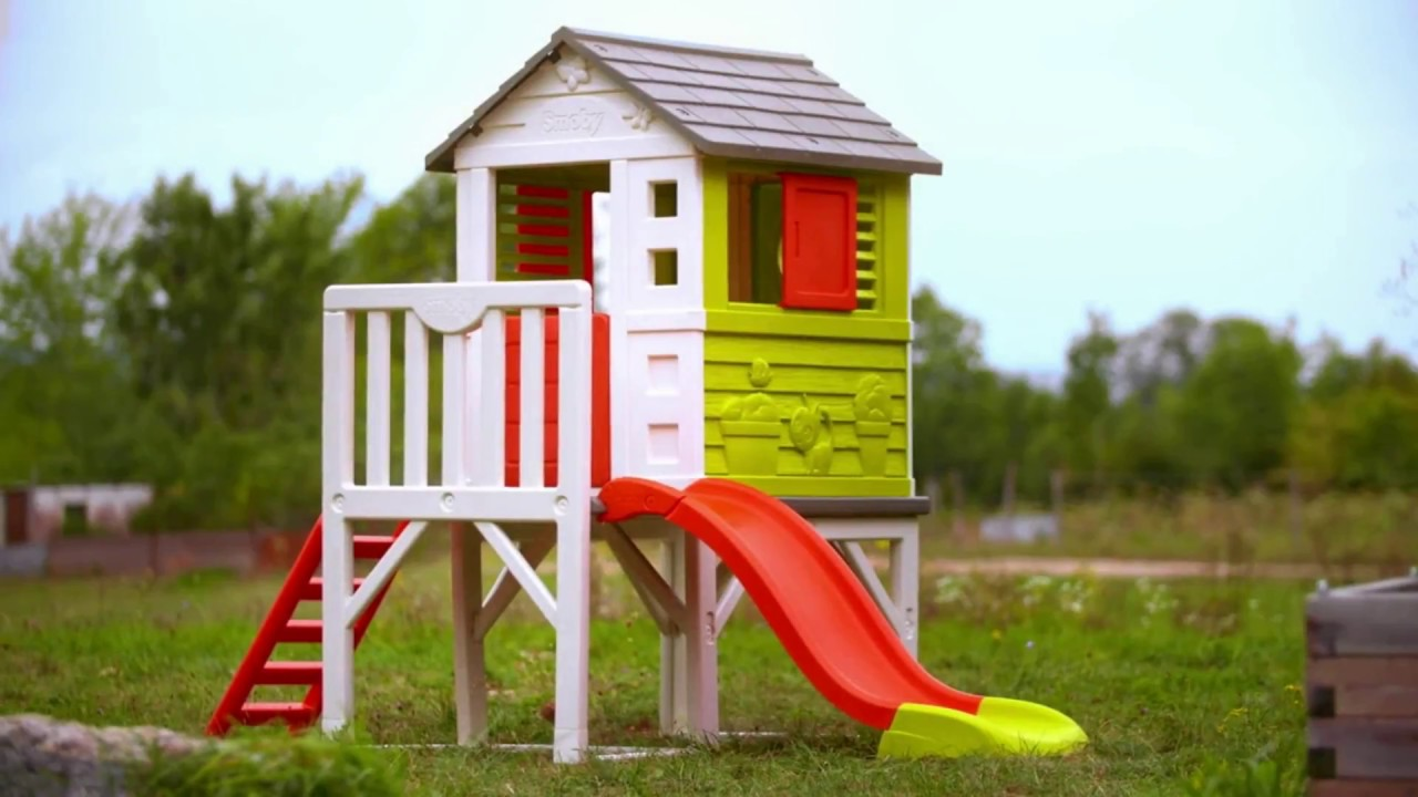 smoby house on stilts it s a children s playhouse with. Black Bedroom Furniture Sets. Home Design Ideas