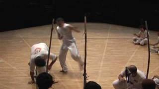 Capoeira Cantos Corridos com Mandela Kalunga e Silvio Batizado Corrente Negra Japan 2008
