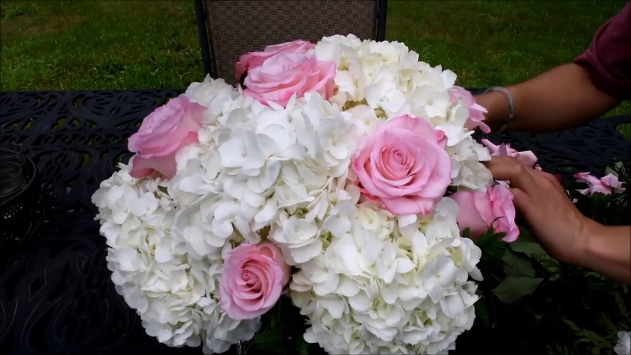Simple Flower Arrangement With Hydrangeas Roseland Roses