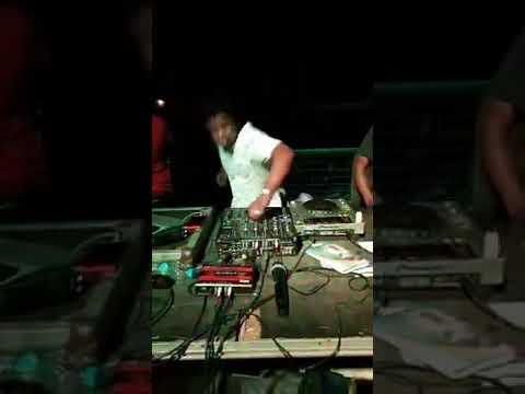 O MELHOR DJ DE ANGOLA TOCANDO O MELHOR DO KUDURO                            subscreve no nosso canal thumbnail