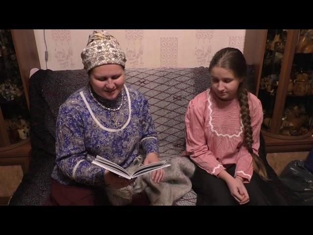 Изображение предпросмотра прочтения – НатальяПолухова читает произведение «Что на свете всего милее» (Русский фольклор )