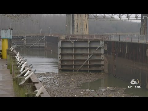 Commissioners mull potential Lock and Dam legal fight