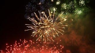 Singapore Marina Bay 2015 New Year Countdown Fireworks [2 video cams]
