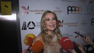 Ana Obregón recibe el premio 'Naranja y Limón'
