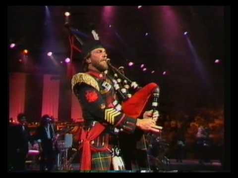 John Farnham & Melbourne Symphony Orchestra - Your the voice