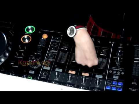 DJ Una Anti Gonta-Ganti Headphone Saat Show