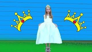 Día de la princesa y de la polina en un fabuloso vestido.