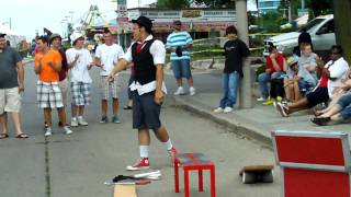 Kobbler Jay Busker Apple Eating Juggler Windsor ON Summerfest