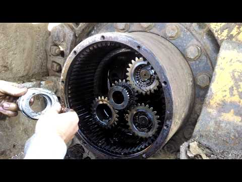 John Deere 653E Final Drive Disaster
