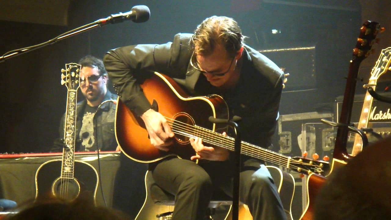 joe bonamassa acoustic guitar solo auckland town hall 2014 youtube. Black Bedroom Furniture Sets. Home Design Ideas