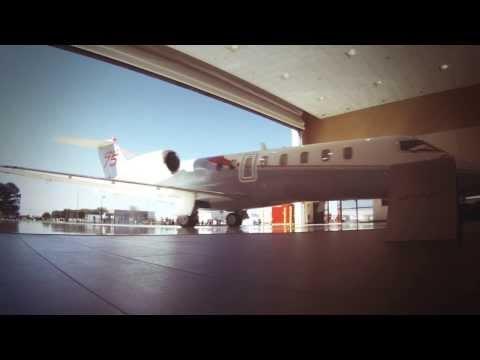 Clay Lacy Flies the Learjet 75