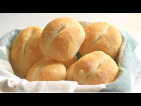 Easy No Knead Dimple Dinner Rolls / Brotchen In FIVE SIMPLE STEPS