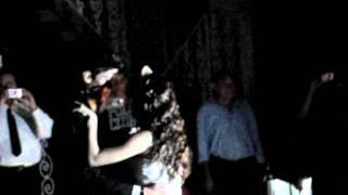 Aniversário de 15 anos da Nanda. Leo e Nanda dançando.