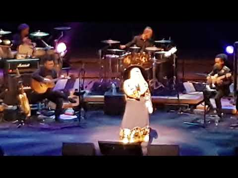 AISHAH LIVE - Setitis Cahaya Di Aidilfitri & Senandung Lebaran Mp3